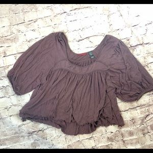 BKE Gypsy Crop with blouses sleeves.